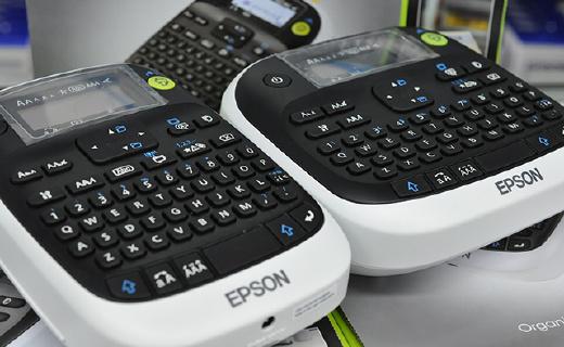 便携全键盘标签打印机,让你的东西井井有条