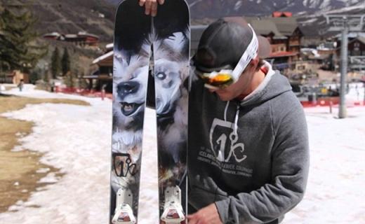 Icelantic Gypsy滑雪板:杨木核心夹层设计,发力?#28900;?#28369;行平稳
