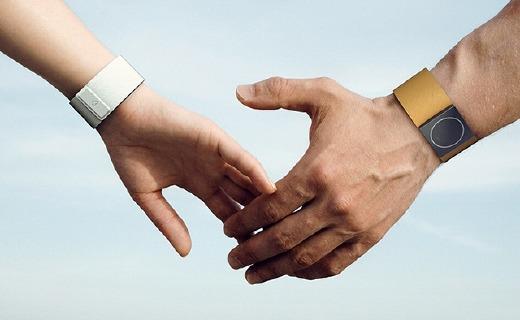 監測情緒的擁抱者手環手表,癲癇預警防止變瘋