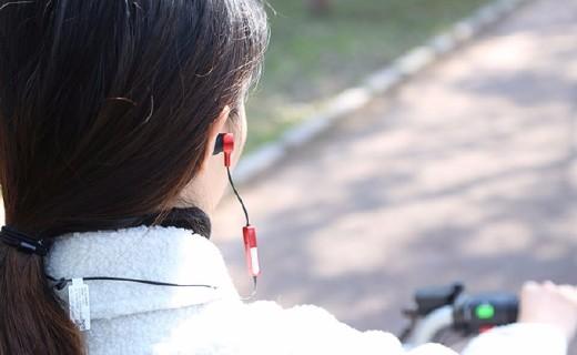 ?#28304;?#38899;乐人汪峰加持+超长续航+美军标级防水—— FIIL Runner 入耳式蓝牙运动耳机