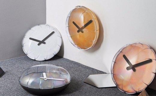 设计师打造气球挂钟,简约造?#32479;?#28385;童趣!
