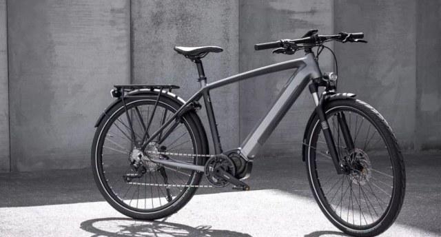 英國老牌廠商凱旋推出首款電動自行車Trekker GT,售價23476元