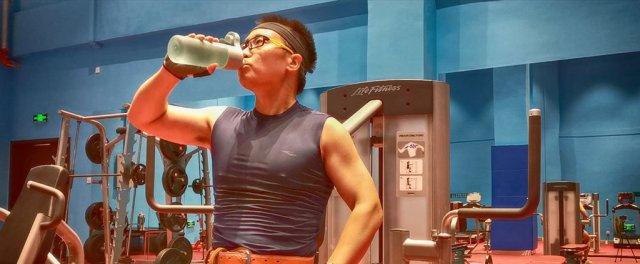 夏日健身房不二之选,VELOSAN便携喷雾运动水杯,给你最清凉感受!