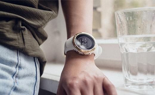 新配色!頌拓推出兩款全新黑白配色精鋼腕表