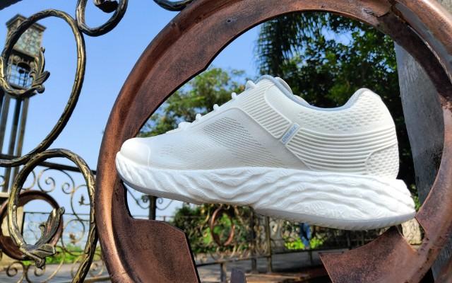 想象不到的輕彈 | 這款超高顏值的跑鞋,讓我更逍遙!