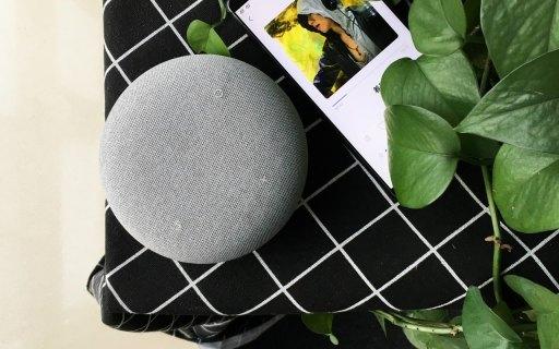 """這只灰色""""馬卡龍"""",是我們用過最有人味兒的智能音箱"""