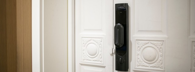 經常忘帶鑰匙?六種解鎖方式智能門鎖,讓你徹底告別安全隱患!
