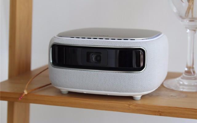 坚果微果H6迷你家用投影:看片超爽,音质够强,价格不到2K?