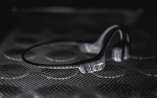 戶外聽歌神器!快試試這款骨傳導耳機,防水性能超級棒!