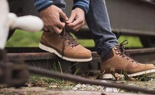 Mustang工装靴 :优质皮质保暖舒适,棕色款超百搭