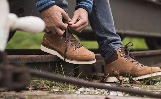 Mustang工裝靴 :優質皮質保暖舒適,棕色款超百搭