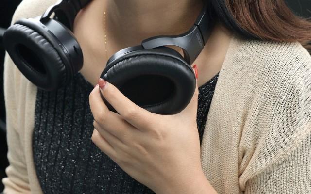 一面耳機,一面音箱!大康HF004二合一耳機上手體驗