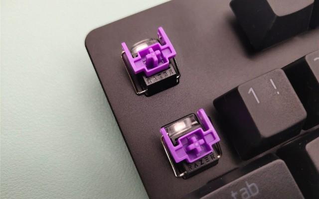 辦公游戲兩相宜 104鍵Razer雷蛇獵魂光蛛標準版機械鍵盤