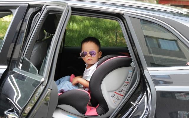 一步到位的安全之選,兼顧顏值和安全的KIN萬能巴巴安全座椅