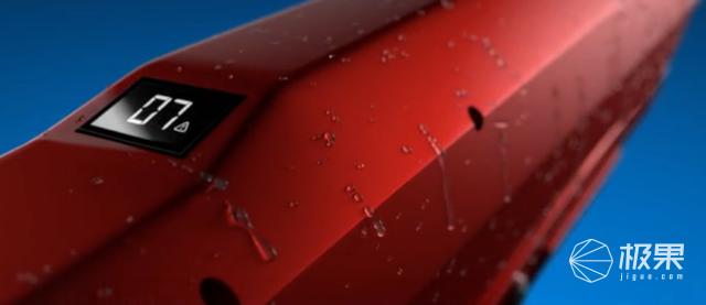 """史上最硬核""""滋水枪""""!一发能射14米,千元一把抢断货…"""