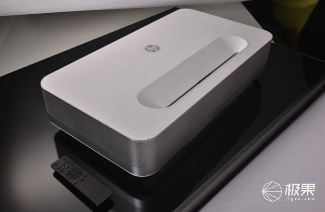 惠普发布超酷投影!液冷散热0噪音,画质堪比电视,不到2万就能买