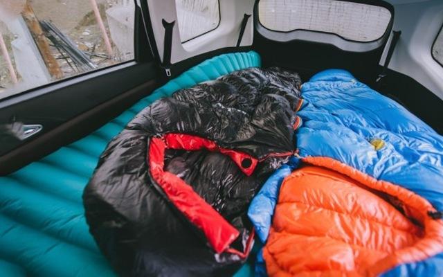 雪山上睡覺,也讓你暖暖和和的,大粗腿定制1000G睡袋體驗