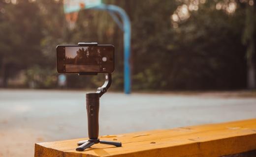 人人都是vlogger!有了這款穩定器,手機就能拍大片!