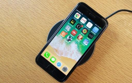 iPhone 8实测Anker无线充:无线充时代已到来 — Anker苹果无线充评测 | 视频