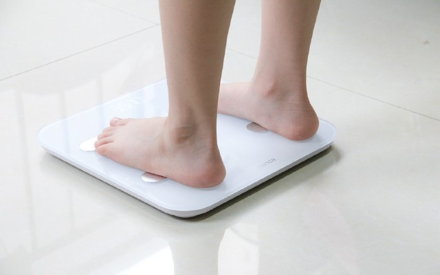 """不止称重还能""""称心""""的体脂秤,精准测量老人孩子都会用"""