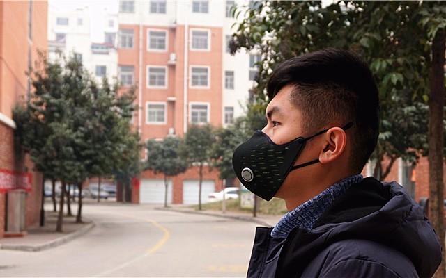 这款AirPOP Active防雾?#37096;?#32617;,连呼吸都能监控!