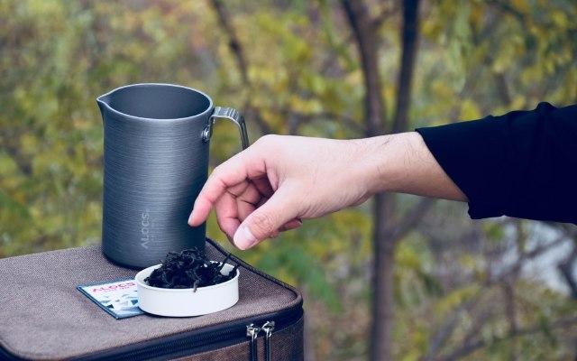 航空铝材茶具轻巧便携,户外也能喝上杯普洱 — 爱路客随心壶套装轻万博体育max下载