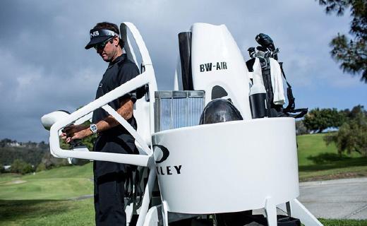 高爾夫球用噴氣飛行包,千米高空想飛就飛!