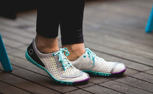 高档羊皮打造的顶级跑鞋,全方位贴合超舒适
