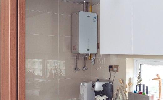 京品評測丨美觀易清潔,即開即熱不等待:零冷水的熱水器讓你隨時用熱水!