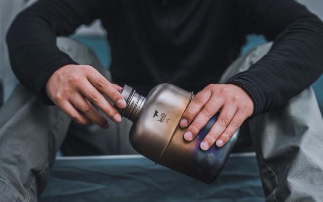 確認過眼神,這就是我要的水壺|鎧斯純鈦78水壺套裝評測