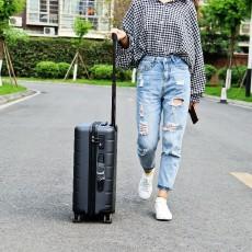?始于?#32617;擔?#24544;于陪伴,小米新品旅行箱独特旅程
