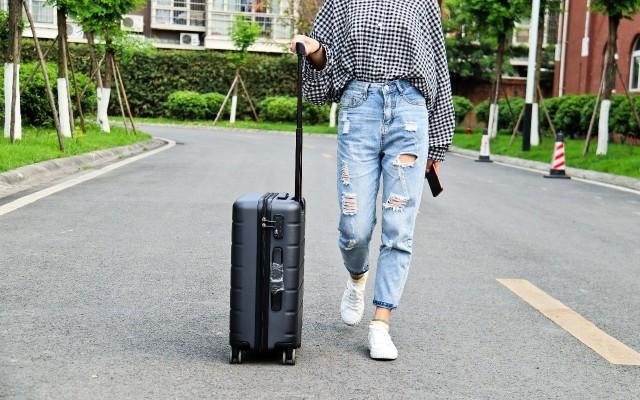 ??#21152;諮罩擔?#24544;于陪伴,小米新品旅行箱独特旅程