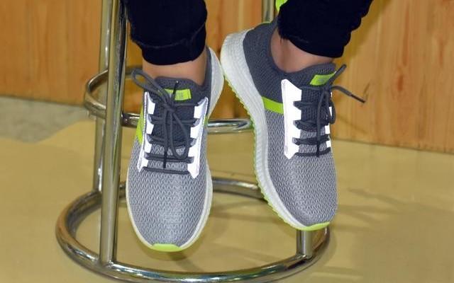 小?#23376;?#21697;上线户外体闲运动鞋,这个?#22902;?#25105;们一起奔跑吧