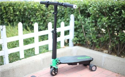 能裝進包里的電動滑板車,征服最后幾公里就靠它
