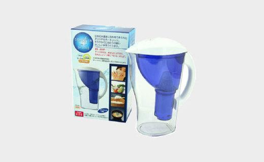 IMO TANI净水壶:活性炭滤芯,出水口设计方便快捷