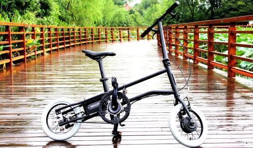 時尚輕便的折疊電單車,動力強勁輕松上坡不叫事