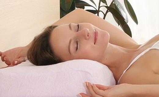 PAIGERLatex乳膠枕:泰國進口乳膠,舒緩肩頸睡的香