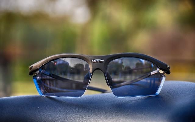 RYDON異型定制近視眼鏡,讓賽道色彩更明晰