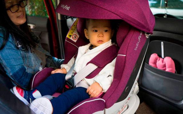爸爸驾车出行,有它孩子更安全,宝?#21561;?#19968;灵眸安全座椅评测
