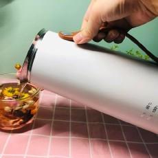 生活品質的提高,離不開高顏值、高科技感的朗芙輕氧小白壺
