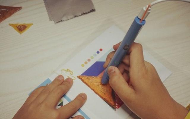 """小馬良3D繪畫筆可以讓畫面""""飛""""出紙張的神筆"""
