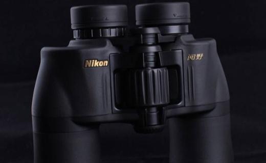 尼康ACULON A211双筒望远镜:防震橡塑材质不手滑,做工精细有质感