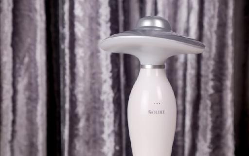 语音可控的智能台灯,不俗颜值摆哪都超吸睛 | 视频