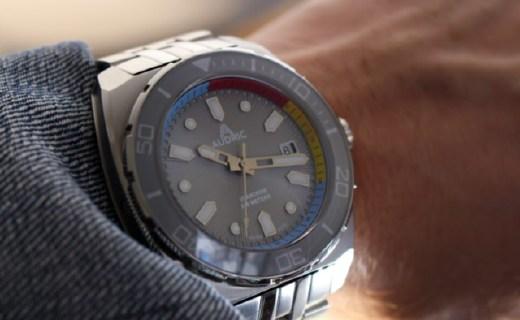 新加坡初創公司Audric發布首款潛水手表,防水深度可達500米
