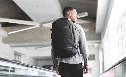 精致設計旅行背包,從此每件物品都井井有條!