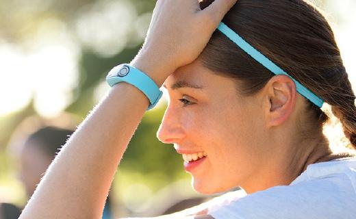 TomTom首款運動手環,不僅測心率,還能測體脂