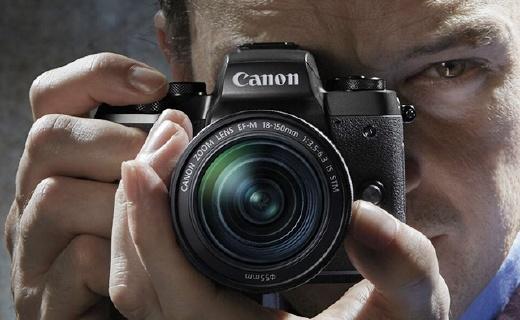 佳能EOS M5,搭載EVF取景器,對焦更快