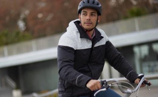 迪卡儂騎行夾克 :涂層面料防風防雨,反光設計夜騎更安全