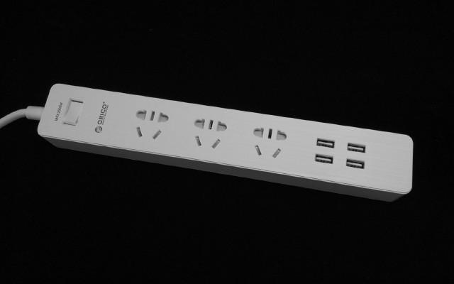 防雷防浪涌,解决闪屏只差一步——GPC-3A4U智能插排