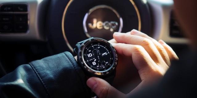 """「万博体育max下载」手腕上的Jeep""""牧马人""""!功能超强大的智能手表,还能戴着游泳!"""